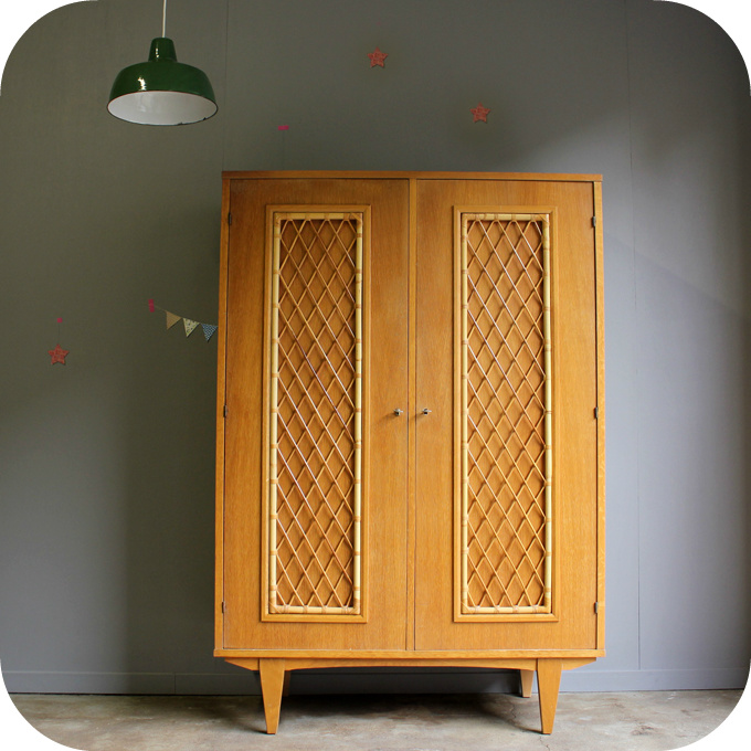 armoire rotin vintage b485 atelier du petit parc. Black Bedroom Furniture Sets. Home Design Ideas