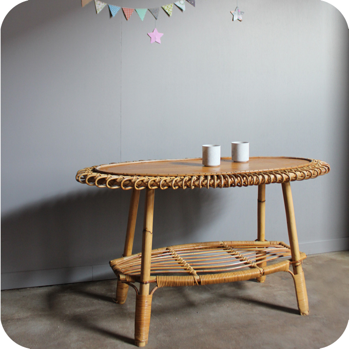 Table basse rotin 50 forme soleil atelier du petit parc for Table basse en rotin