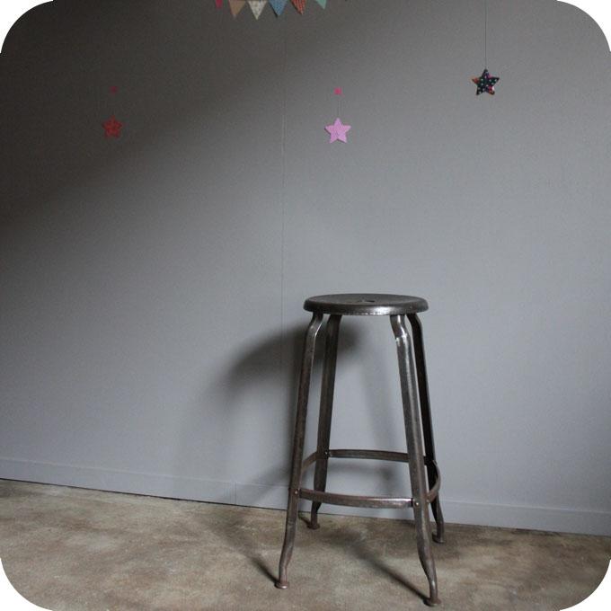 tabouret d atelier nicolle atelier du petit parc. Black Bedroom Furniture Sets. Home Design Ideas
