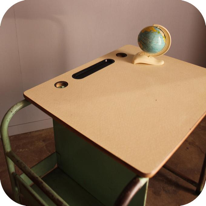 bureau enfant 50 atelier du petit parc. Black Bedroom Furniture Sets. Home Design Ideas