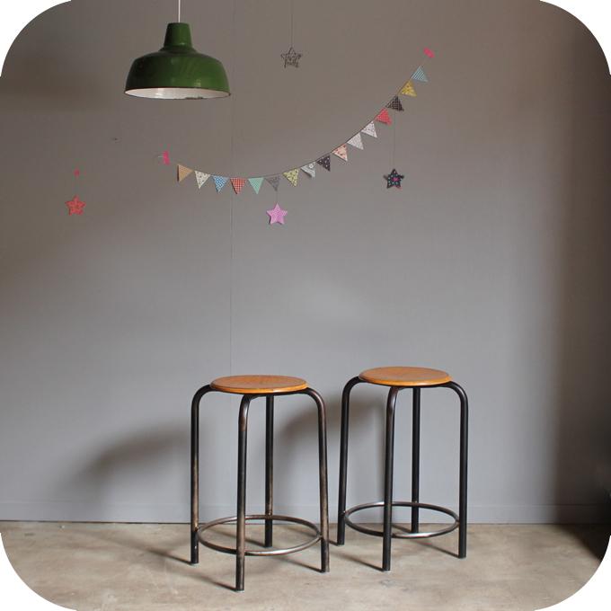 tabouret d atelier vintage c328 atelier du petit parc. Black Bedroom Furniture Sets. Home Design Ideas