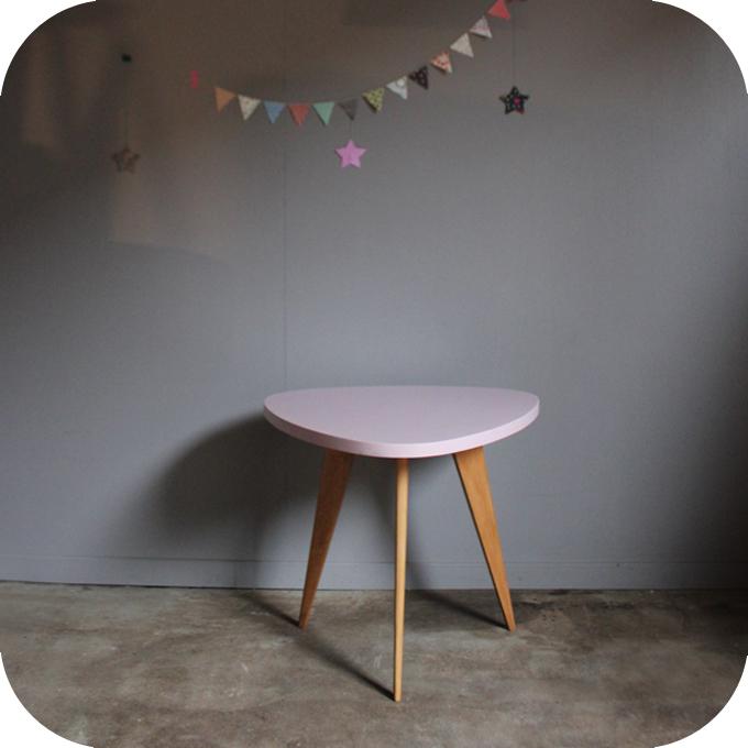 table basse bois vintage tripode c444 atelier du petit parc. Black Bedroom Furniture Sets. Home Design Ideas