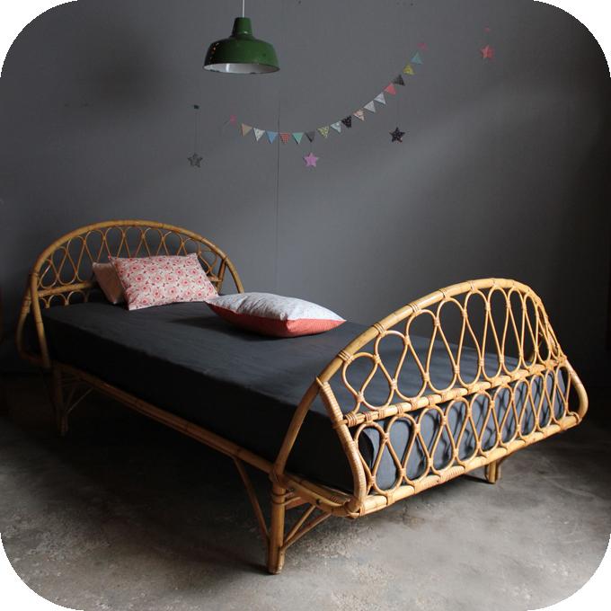 lit rotin vintage corbeille ann es 50 atelier du petit parc. Black Bedroom Furniture Sets. Home Design Ideas