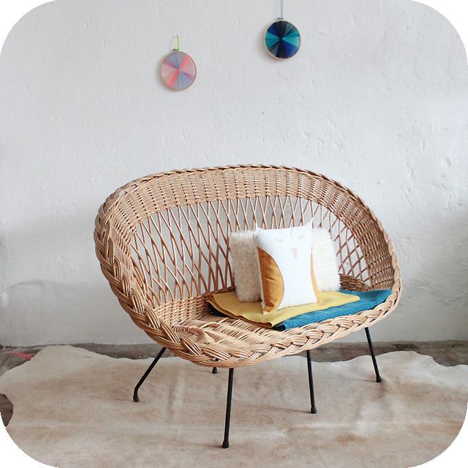 mobilier vintage banquette osier vintage atelier du petit parc. Black Bedroom Furniture Sets. Home Design Ideas