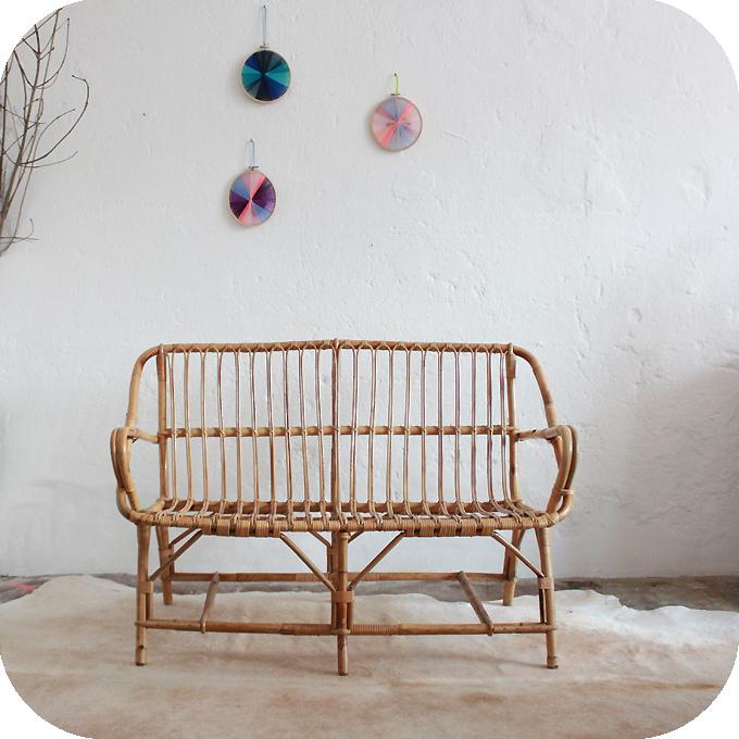 mobilier vintage banquette rotin atelier du petit parc. Black Bedroom Furniture Sets. Home Design Ideas