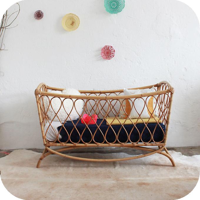meubles chambre bebe vintage avec des id es int ressantes pour la conception de. Black Bedroom Furniture Sets. Home Design Ideas