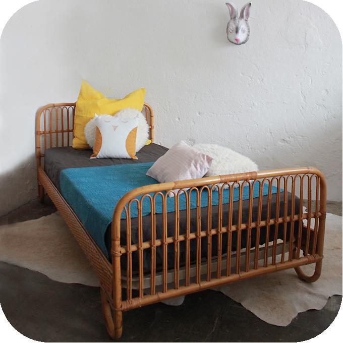 Mobilier vintage lit rotin enfant atelier du petit parc for Mobilier lit