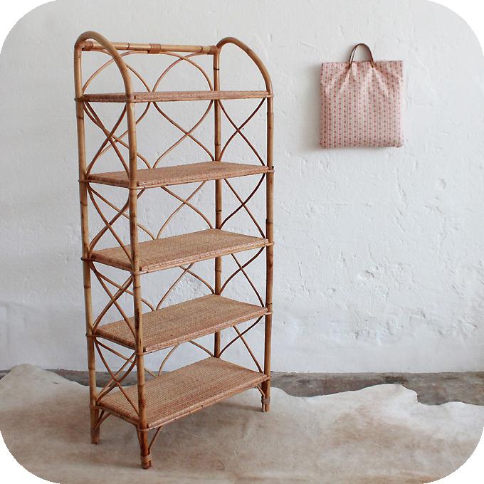 mobilier vintage biblioth que rotin vintage atelier du petit parc. Black Bedroom Furniture Sets. Home Design Ideas