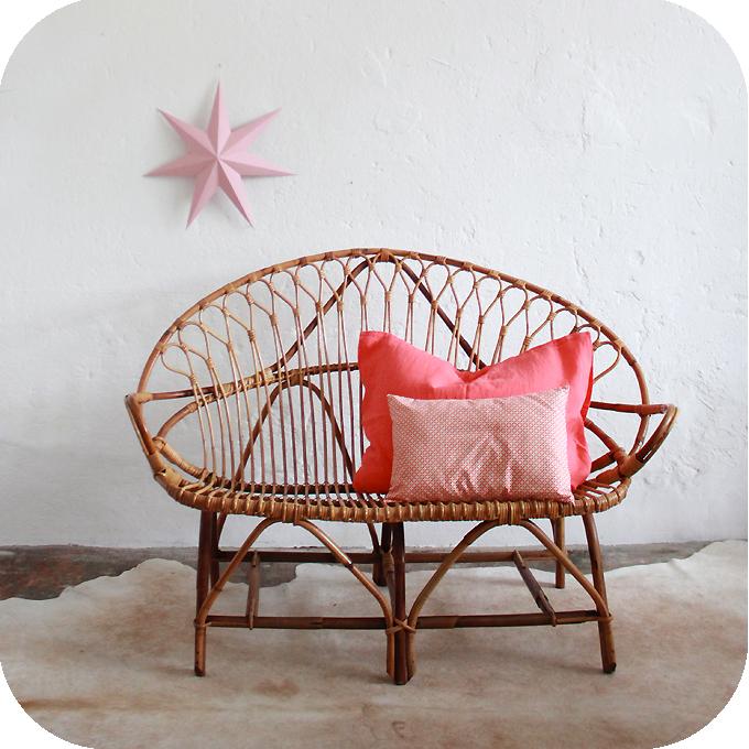 mobilier vintage banquette rotin ann es 50 ann es 60. Black Bedroom Furniture Sets. Home Design Ideas