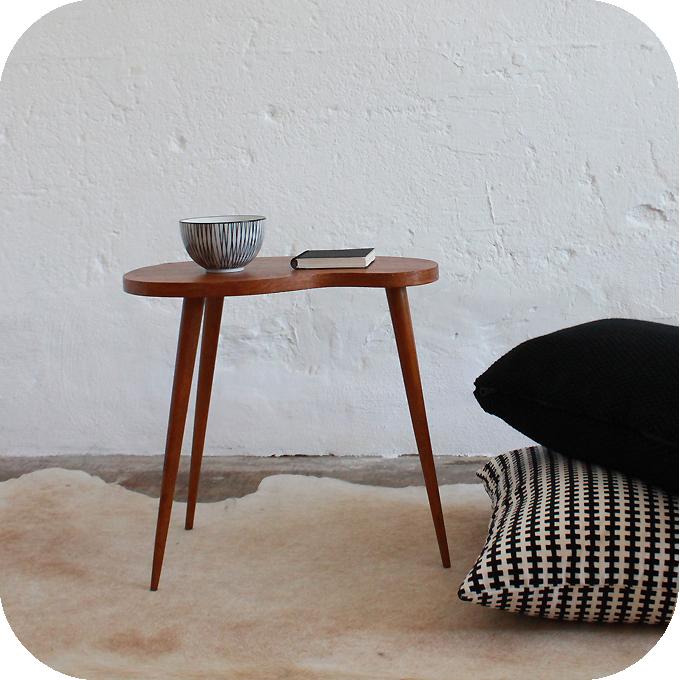 mobilier vintage table basse tripode forme haricot vintage ann es 50 ann es 60 atelier du. Black Bedroom Furniture Sets. Home Design Ideas