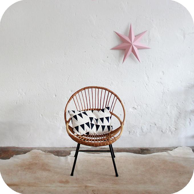 mobilier vintage fauteuil rotin coquille vintage ann es 50 ann es 60 atelier du petit parc. Black Bedroom Furniture Sets. Home Design Ideas