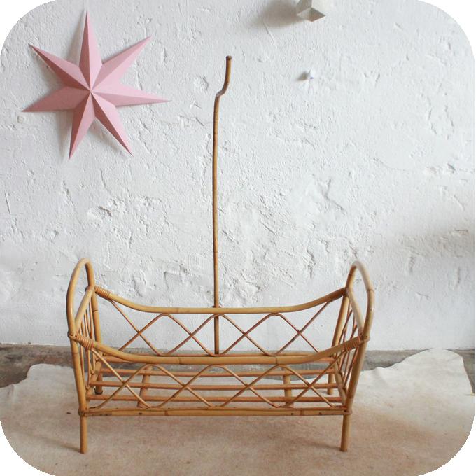 berceau lit poup e noel vintage atelier du petit parc. Black Bedroom Furniture Sets. Home Design Ideas