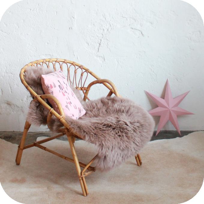 Fauteuil confortable ancien nantes atelier du petit parc for Petit fauteuil de chambre