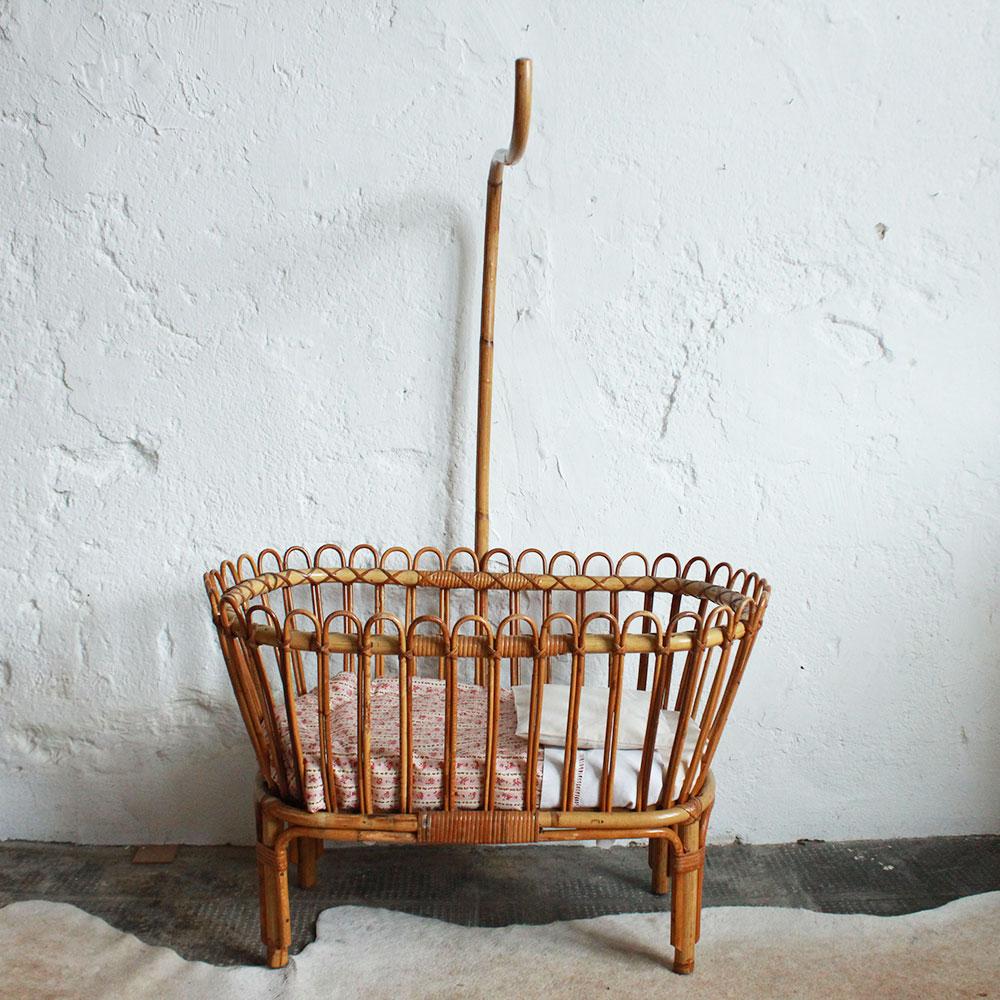 lit berceau poup e ancien atelier du petit parc. Black Bedroom Furniture Sets. Home Design Ideas