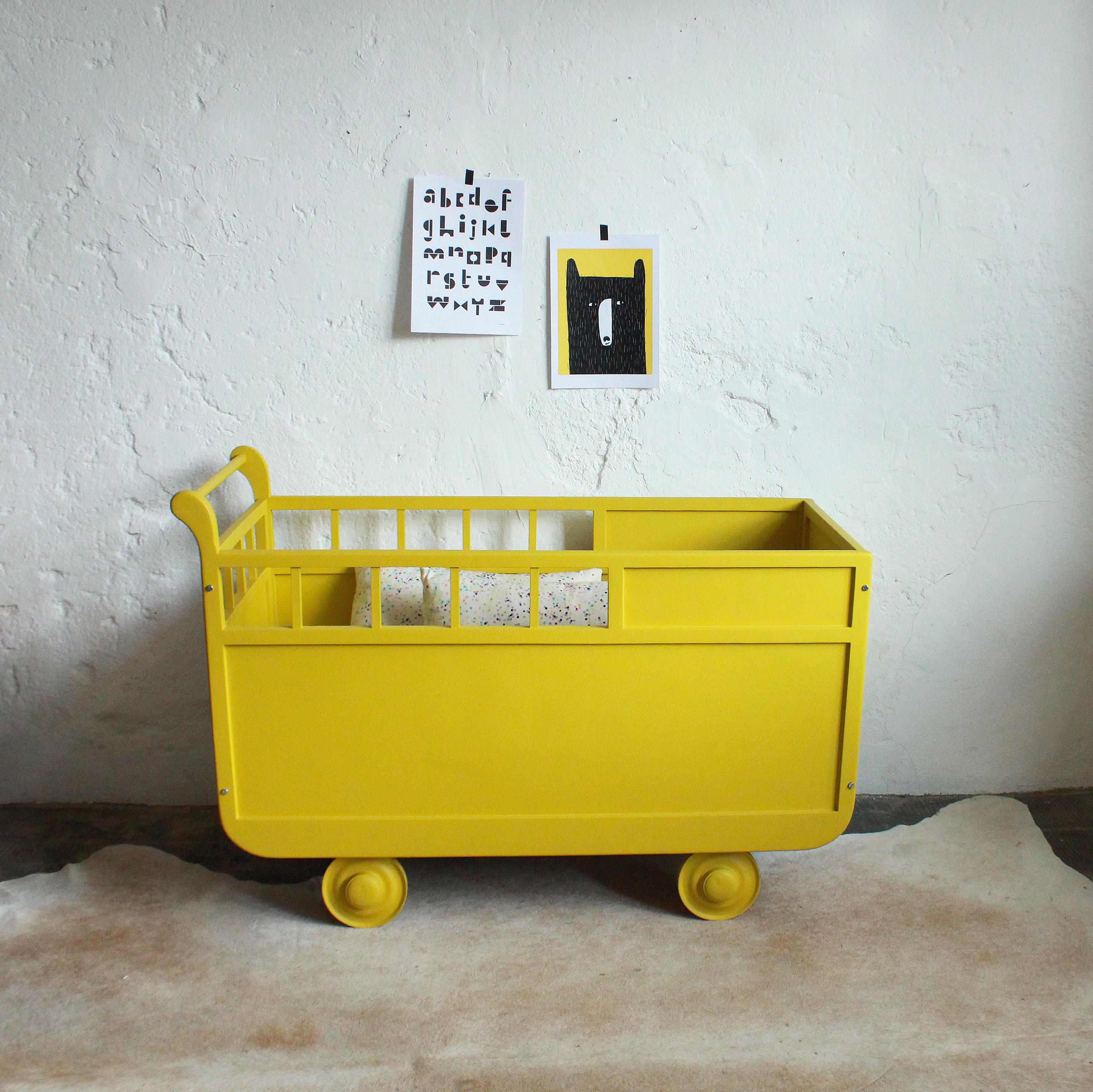 lit roulotte vintage b b atelier du petit parc. Black Bedroom Furniture Sets. Home Design Ideas