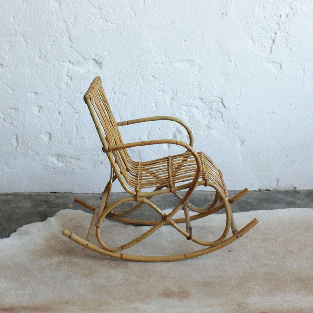 rocking chair rotin vintage pour enfant atelier du petit. Black Bedroom Furniture Sets. Home Design Ideas