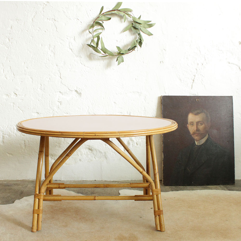 Table basse rotin vintage atelier du petit parc for Table basse en rotin