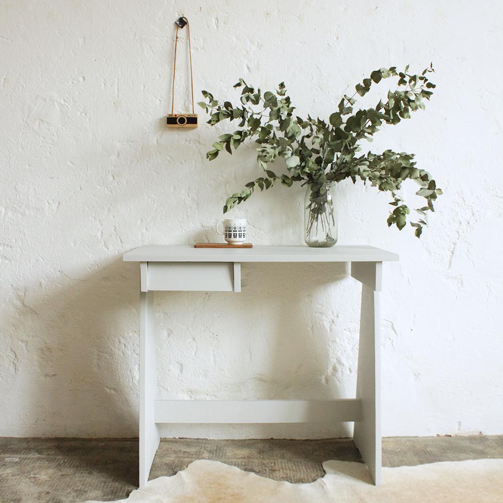 bureau bois vintage ann es 70 atelier du petit parc. Black Bedroom Furniture Sets. Home Design Ideas