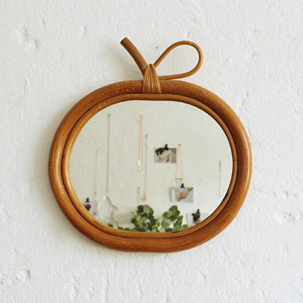 Miroir-rotin-pomme-vintage-F679_a