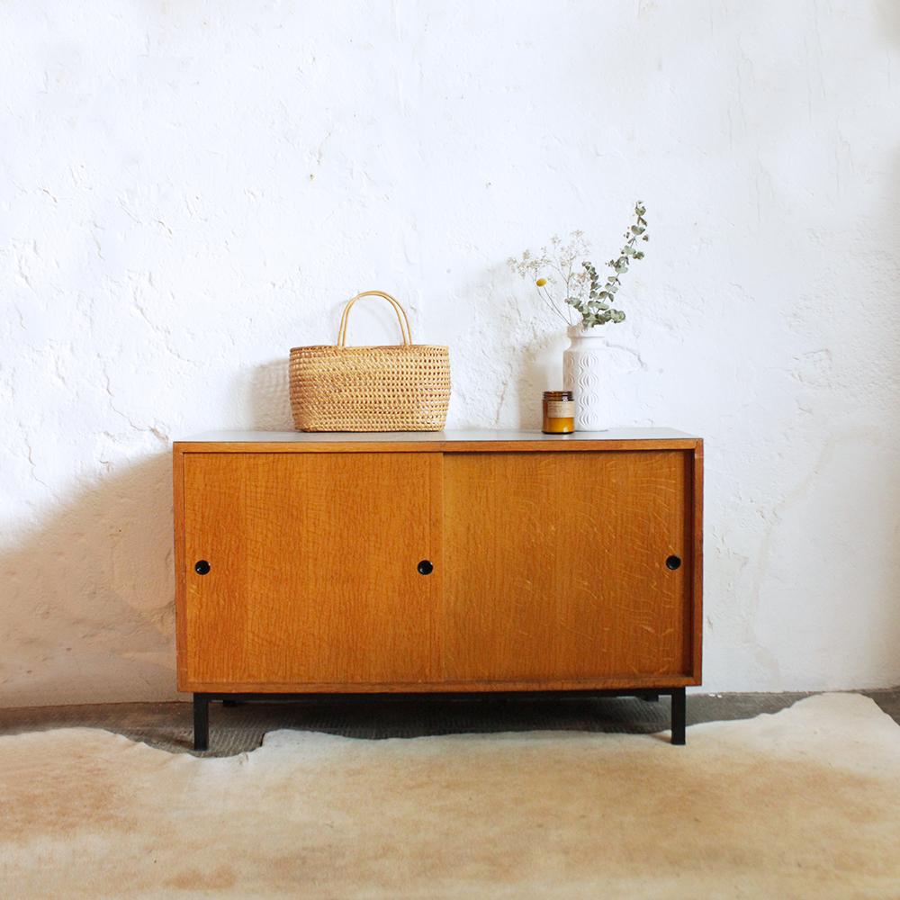 Meuble scolaire portes coulissantes atelier du petit parc for Retro meuble