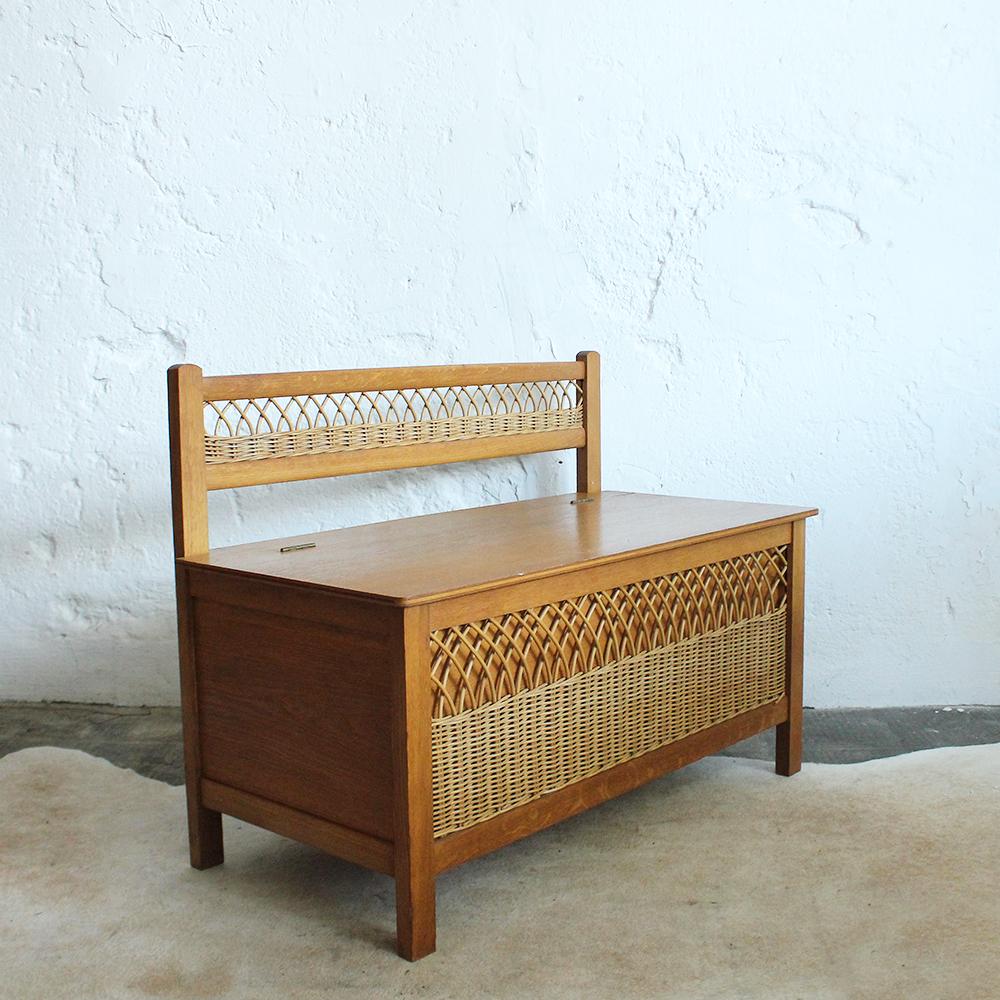 banc coffre jouets vintage en rotin atelier du petit parc. Black Bedroom Furniture Sets. Home Design Ideas