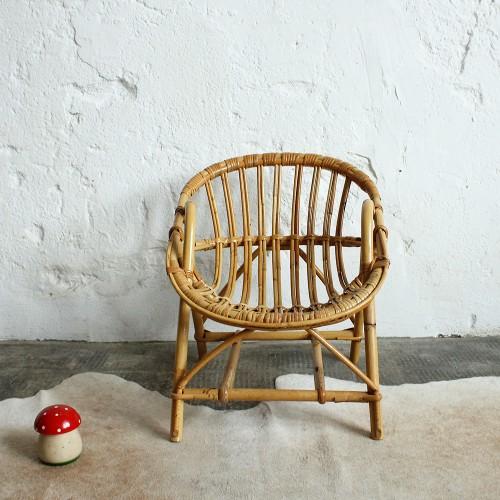 fauteuil-rotin-enfant-vintage-accoudoirs-g744_a