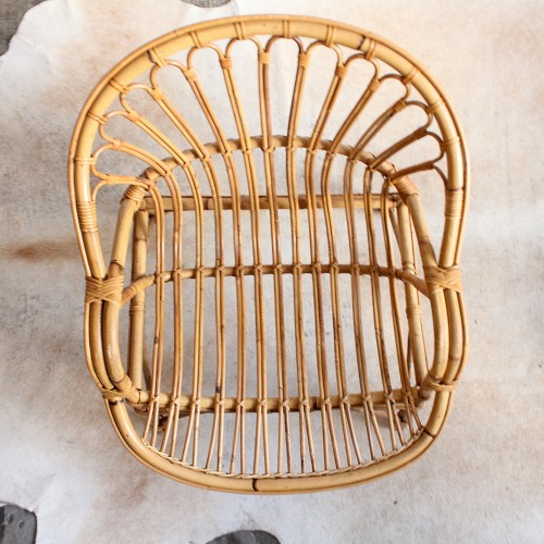 fauteuil-rotin-confortable-accoudoirs-vintage-h254_d