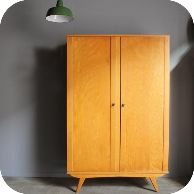 Armoire bois vintage – C272 | Atelier du petit parc
