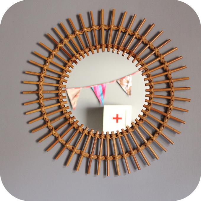 Miroir osier atelier du petit parc for Miroir rotin osier