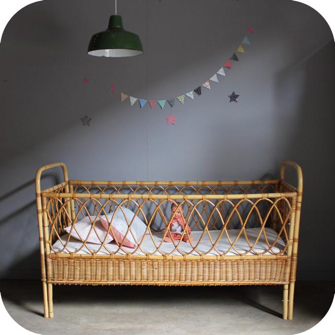 lit b b rotin vintage c432 atelier du petit parc. Black Bedroom Furniture Sets. Home Design Ideas