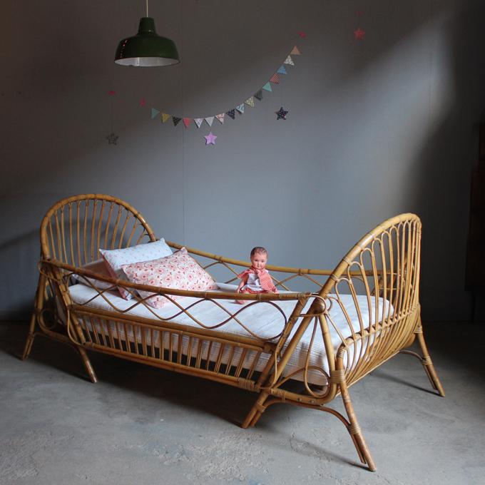 lit rotin vintage enfant evolutif atelier du petit parc. Black Bedroom Furniture Sets. Home Design Ideas