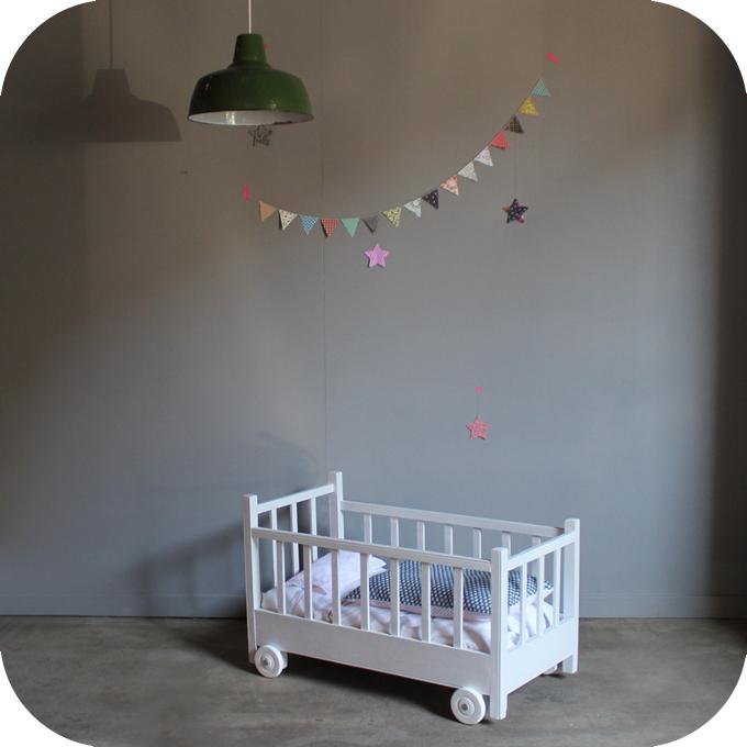 lit roulotte poup e enfant vintage atelier du petit parc. Black Bedroom Furniture Sets. Home Design Ideas