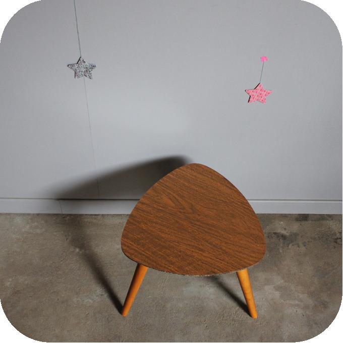 c443 table tripode vintage c atelier du petit parc. Black Bedroom Furniture Sets. Home Design Ideas