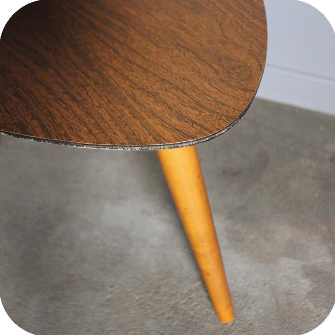 c443 table tripode vintage d atelier du petit parc. Black Bedroom Furniture Sets. Home Design Ideas