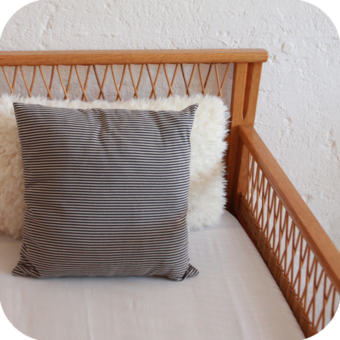 c593 lit bebe vintage bois rotin f atelier du petit parc. Black Bedroom Furniture Sets. Home Design Ideas