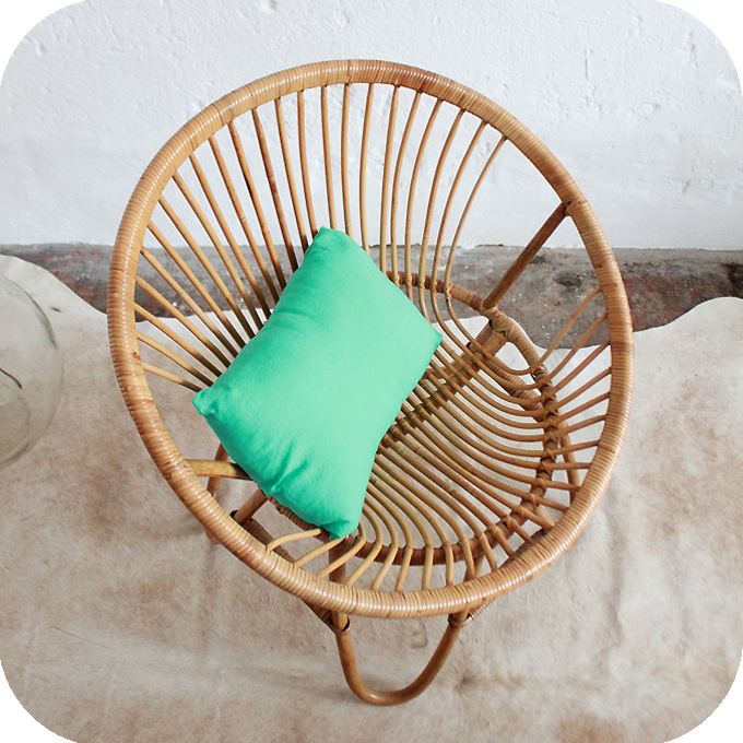 D213 fauteuil rotin vintage boule e atelier du petit parc - Fauteuil boule rotin ...