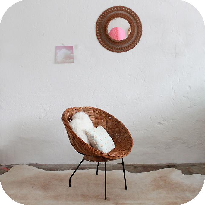 C502_mobilier-vintage-fauteuil-osier-b