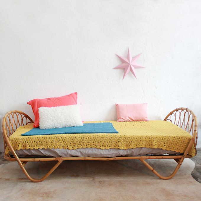 mobilier vintage lit rotin vintage ann es 50 ann es 60. Black Bedroom Furniture Sets. Home Design Ideas