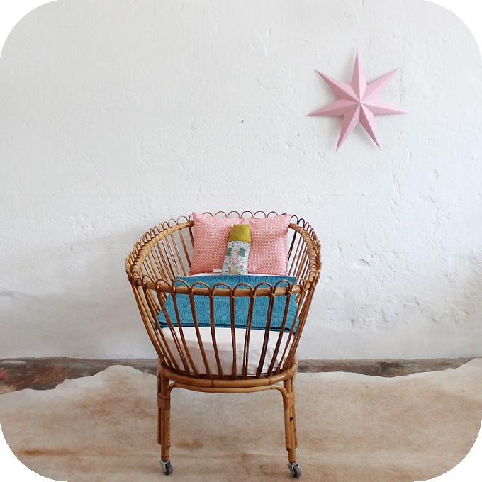 d417 mobilier vintage berceau rotin lit bebe vintage rotin c atelier du petit parc. Black Bedroom Furniture Sets. Home Design Ideas