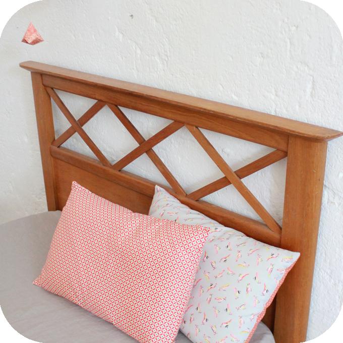 d458 mobilier vintage lit bois vintage annees 50 e atelier du petit parc. Black Bedroom Furniture Sets. Home Design Ideas