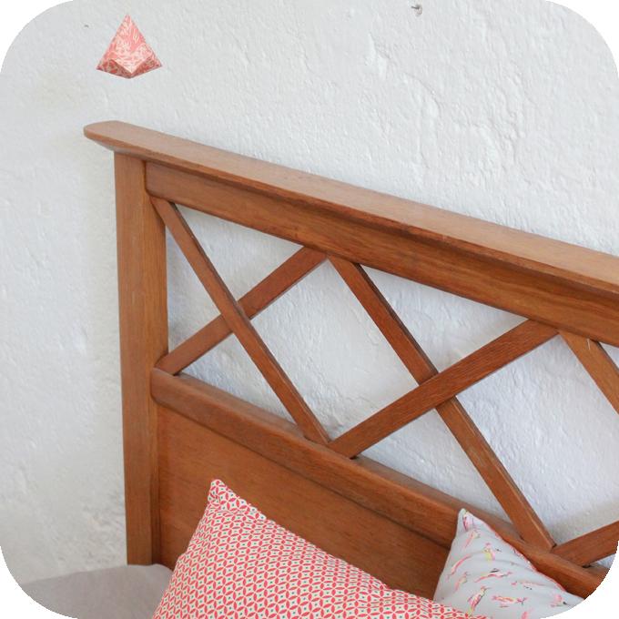d458 mobilier vintage lit bois vintage annees 50 f atelier du petit parc. Black Bedroom Furniture Sets. Home Design Ideas