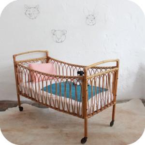 d345 mobilier vintage lit bebe rotin vintage b atelier du petit parc. Black Bedroom Furniture Sets. Home Design Ideas