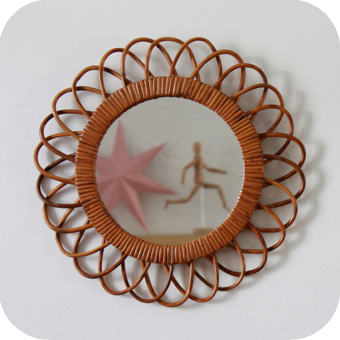 D497_mobilier-vintage-miroir-rotin-vintage-rond-a