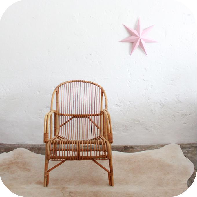 D507_mobilier-vintage-fauteuil-rotin-vintage-a
