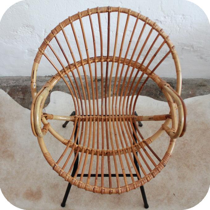 d537 mobilier vintage fauteuil rotin coquille metal f atelier du petit parc. Black Bedroom Furniture Sets. Home Design Ideas