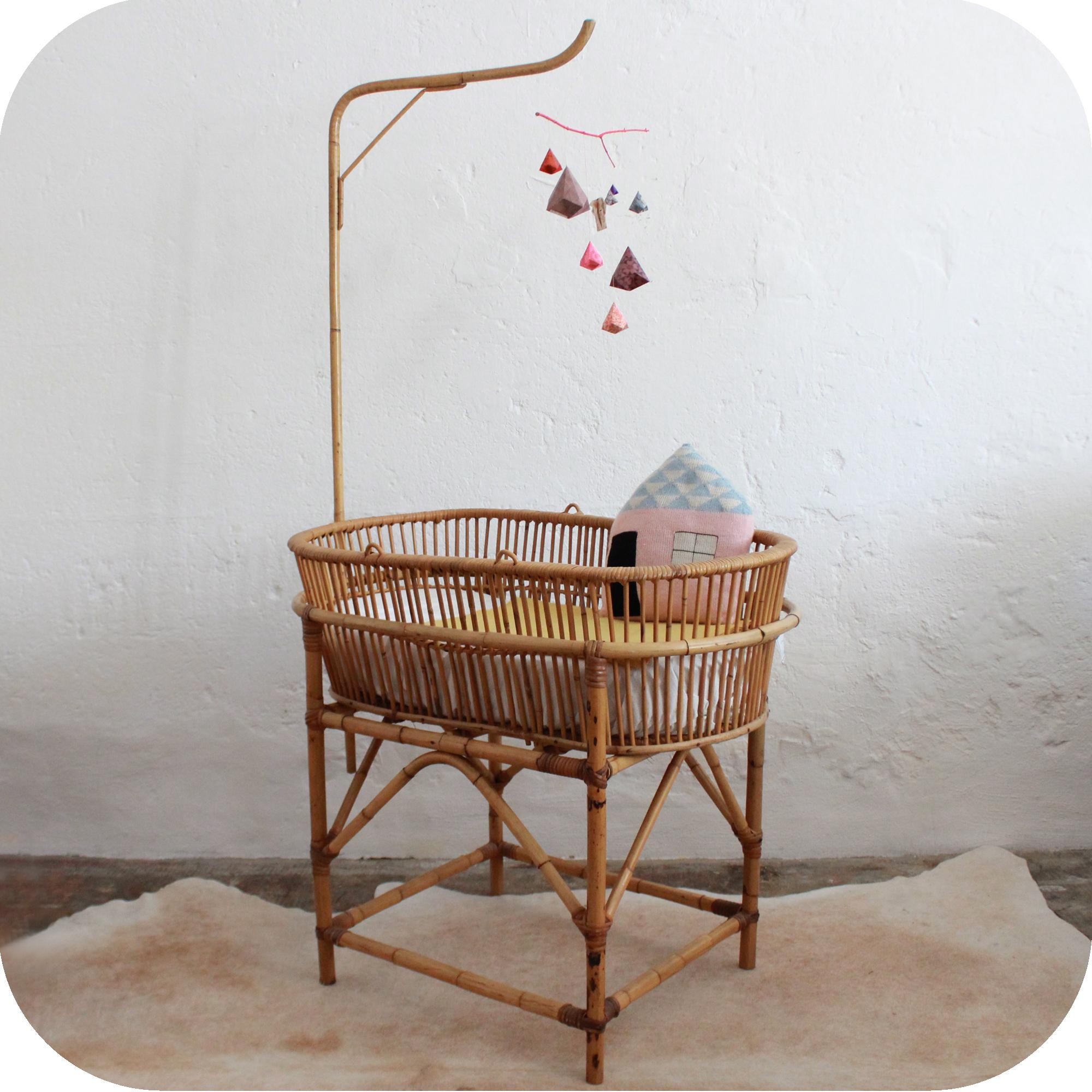 d526 mobilier vintage berceau vintage lit b b vintage b atelier du petit parc. Black Bedroom Furniture Sets. Home Design Ideas