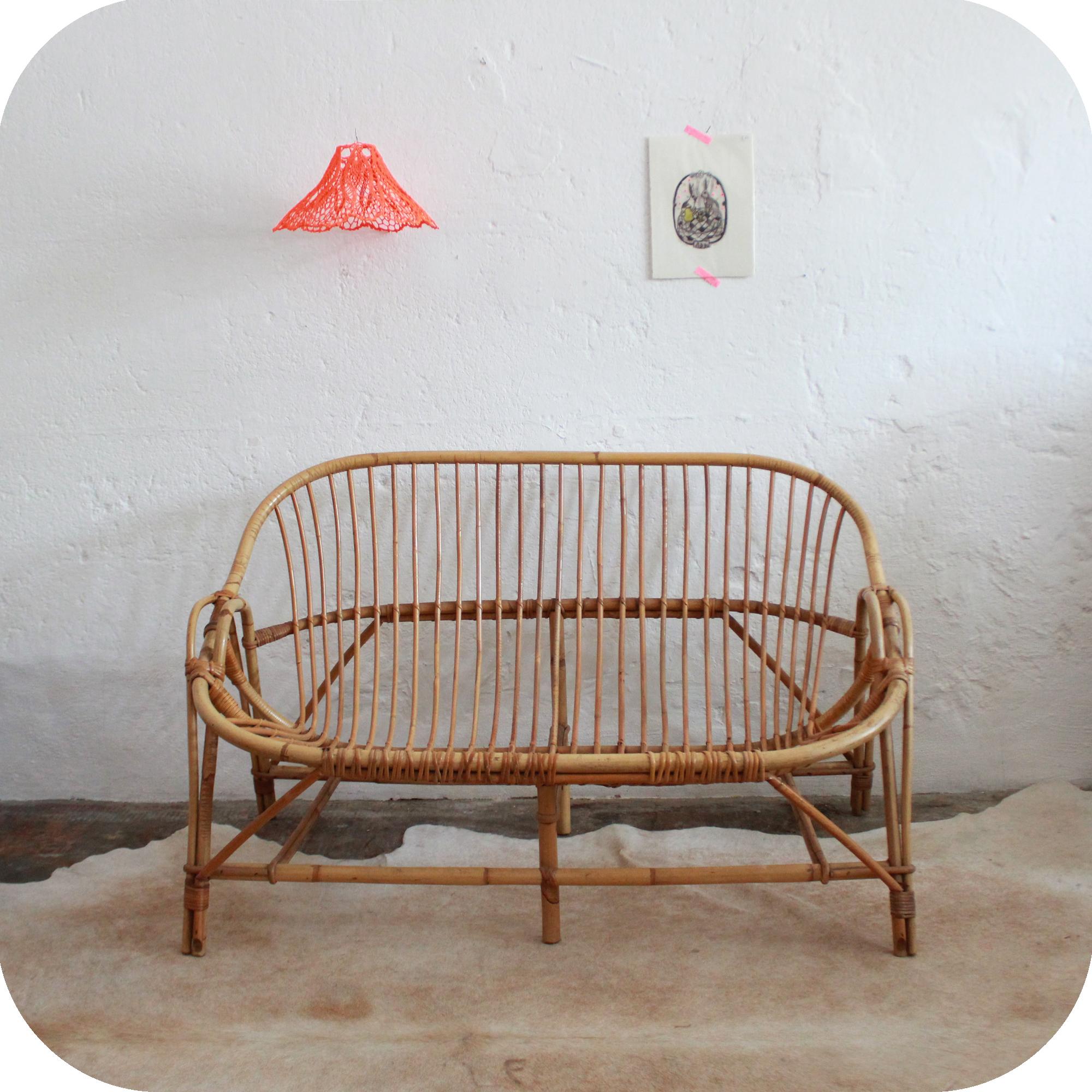 D546_mobilier-vintage-banquette-canapé-vintage-rotin-a