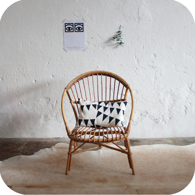 B518_Fauteuil-rotin-vintage-a