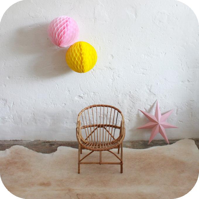D262_fauteuil-rotin-coquille-enfant-vintage-a