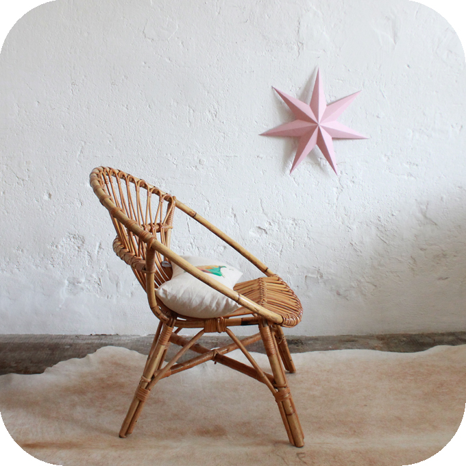 d565 fauteuil vintage rotin meuble vintage c atelier du petit parc. Black Bedroom Furniture Sets. Home Design Ideas